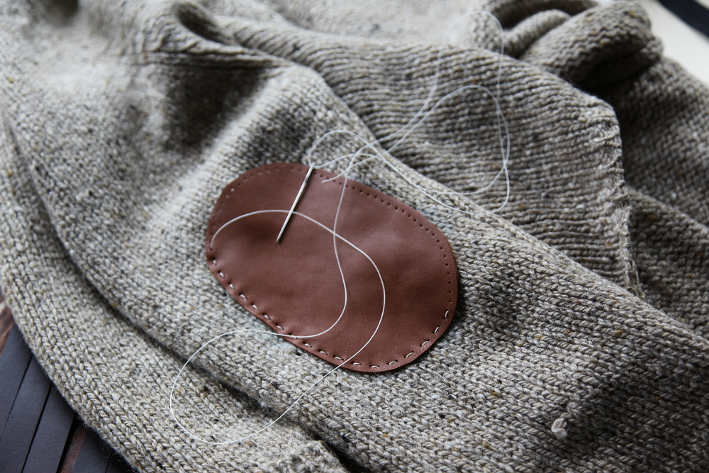 sweater_elbow_patch_3