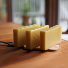 beeswax | 8 ounce block